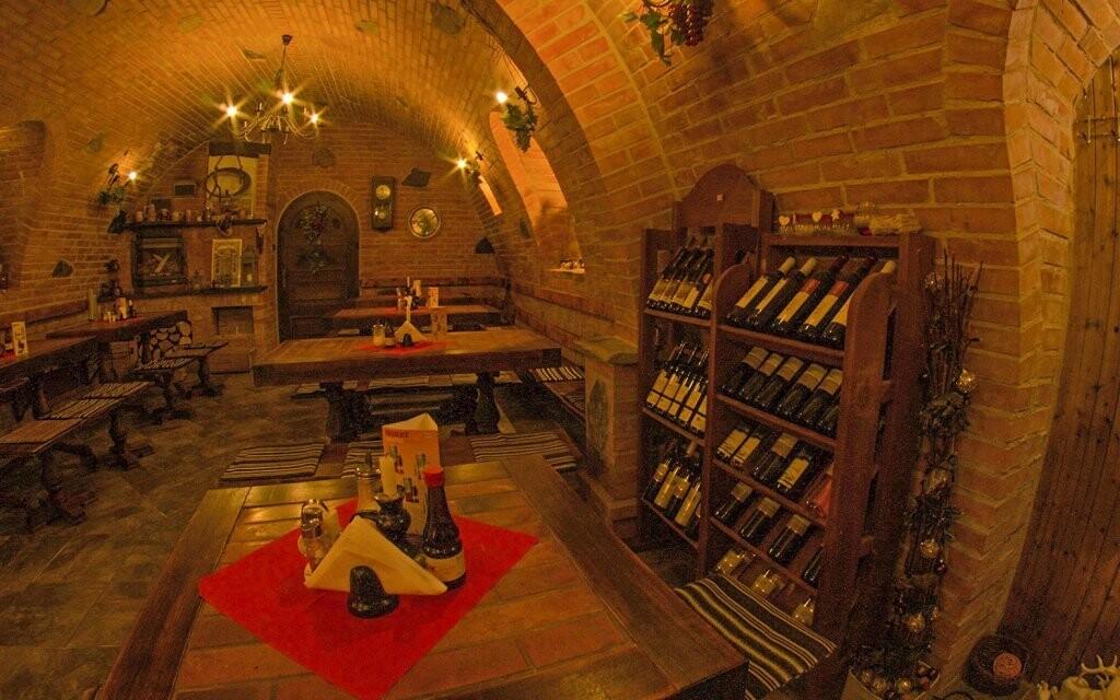 V penzionu si pochutnáte, dát si můžete i víno