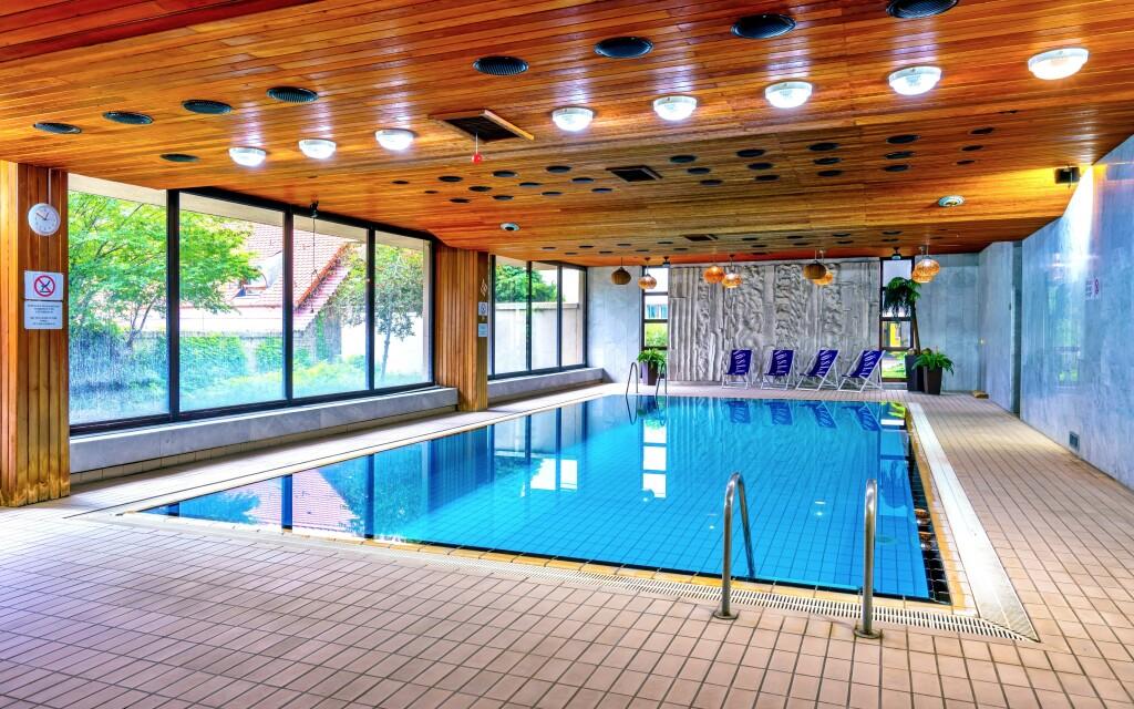Po celý pobyt si můžete užít neomezený vstup do bazénu