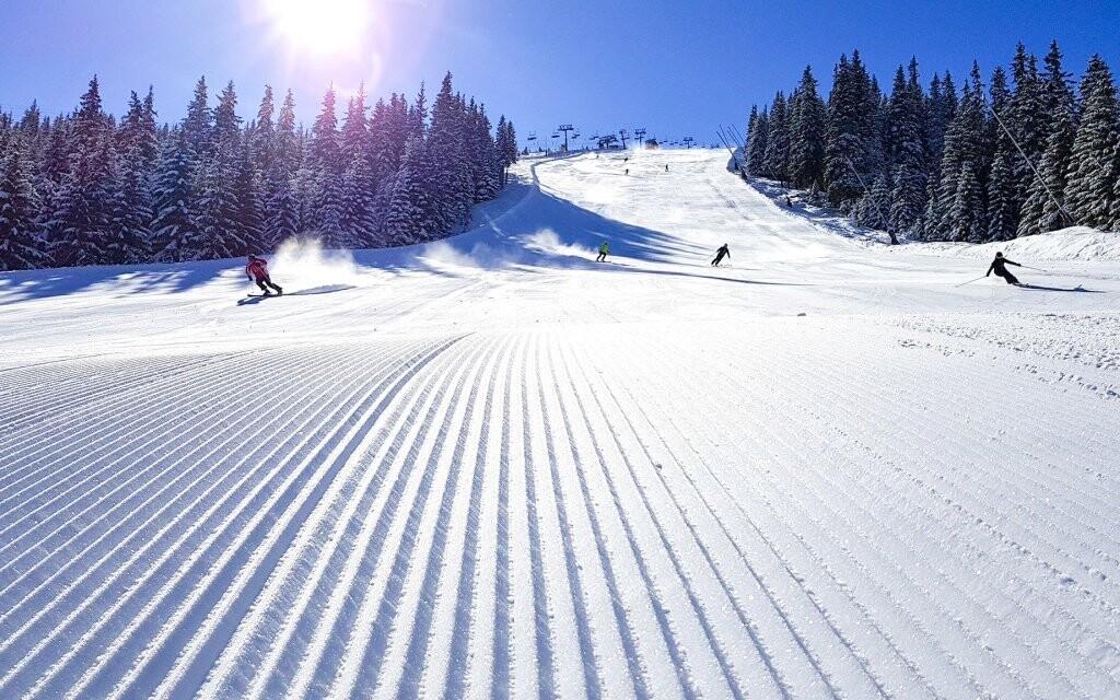 Hotel je obklopený skvělými ski areály