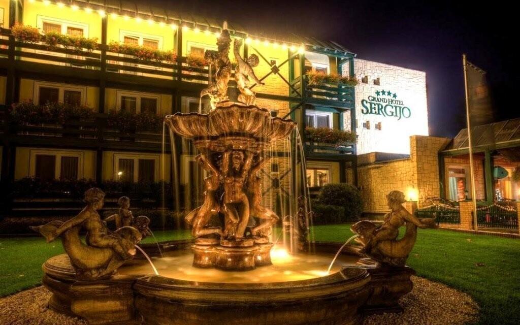 Luxusní business a wellness hotel najdete u jezera Sĺňava