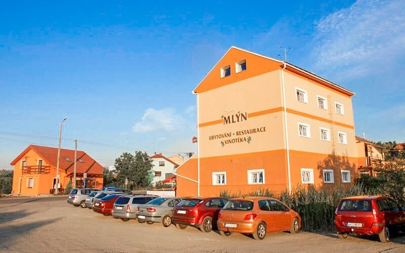 Ubytujte se v Penzionu Mlýn Bořetice