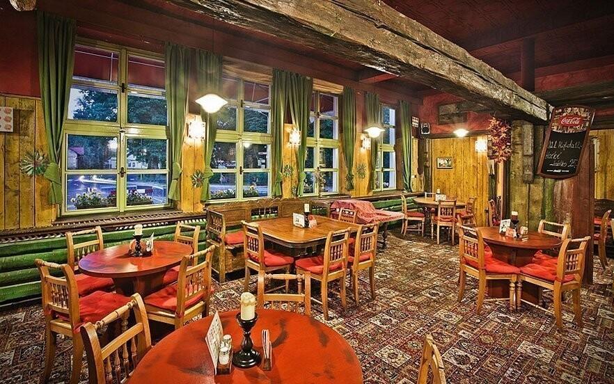 V restauraci jsou podávány české i zahraniční pokrmy