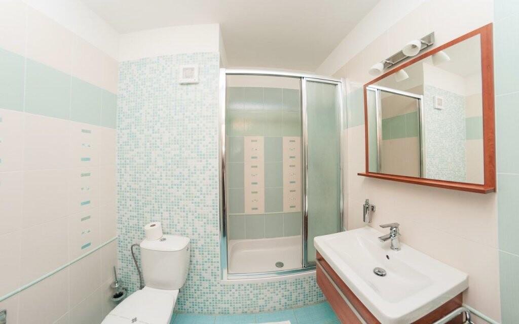 Koupelny u pokojů Superior jsou nově zrekonstruované