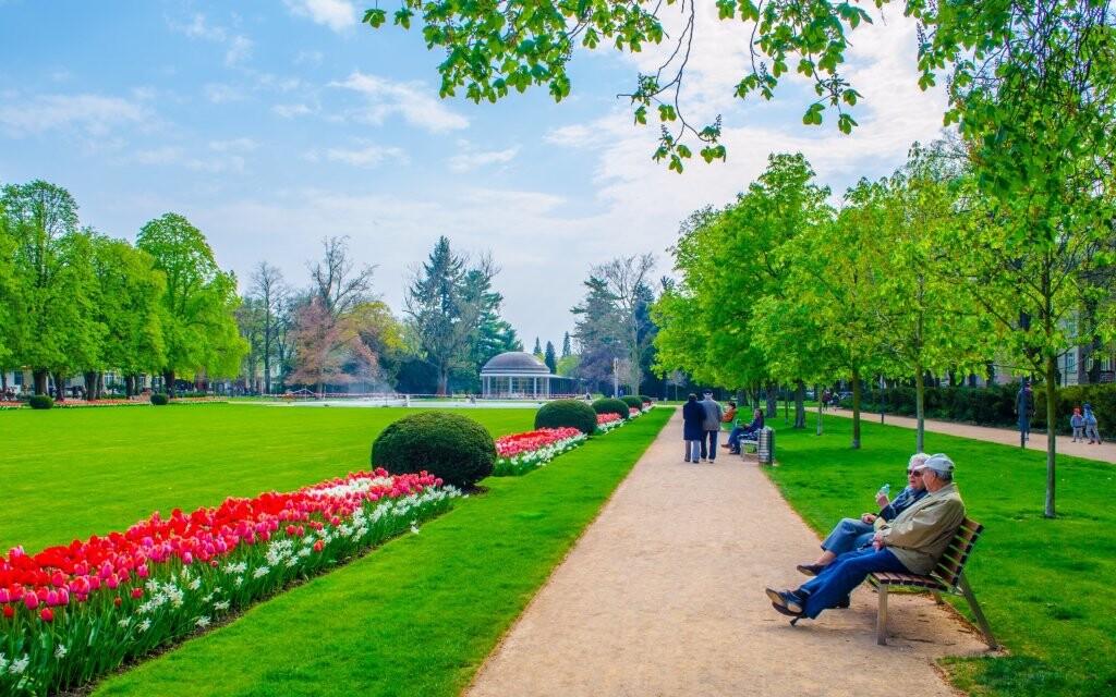 Kúpeľný park Poděbrady, liečivé pramene, kolonáda