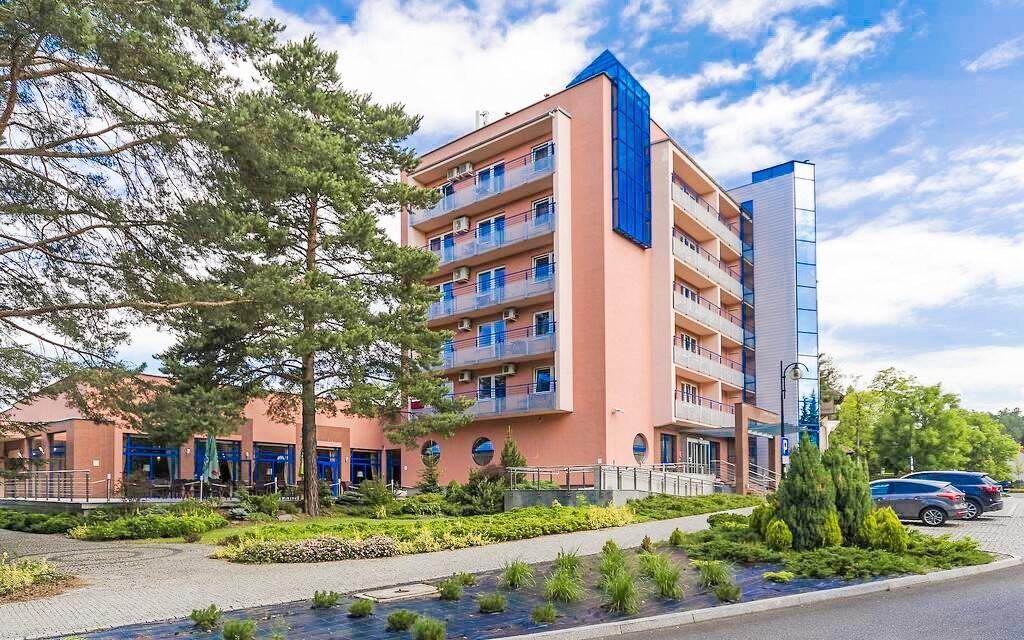Ubytujte se v Hotelu Kudowa ****