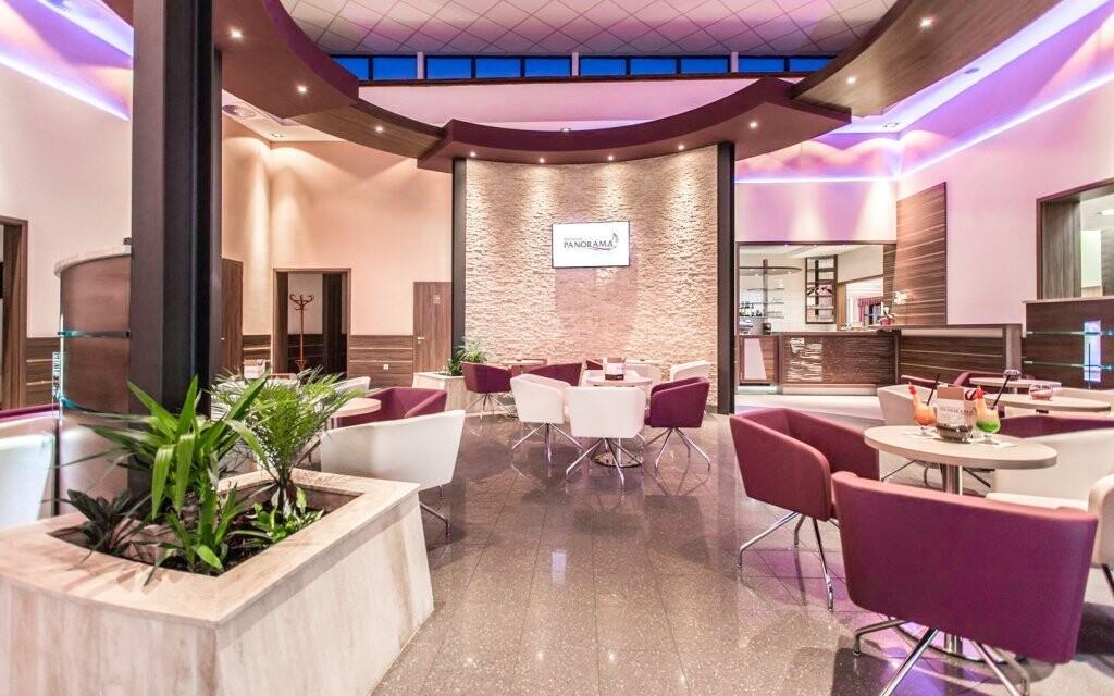 Interiéry hotela navodzujú atmosféru luxusu