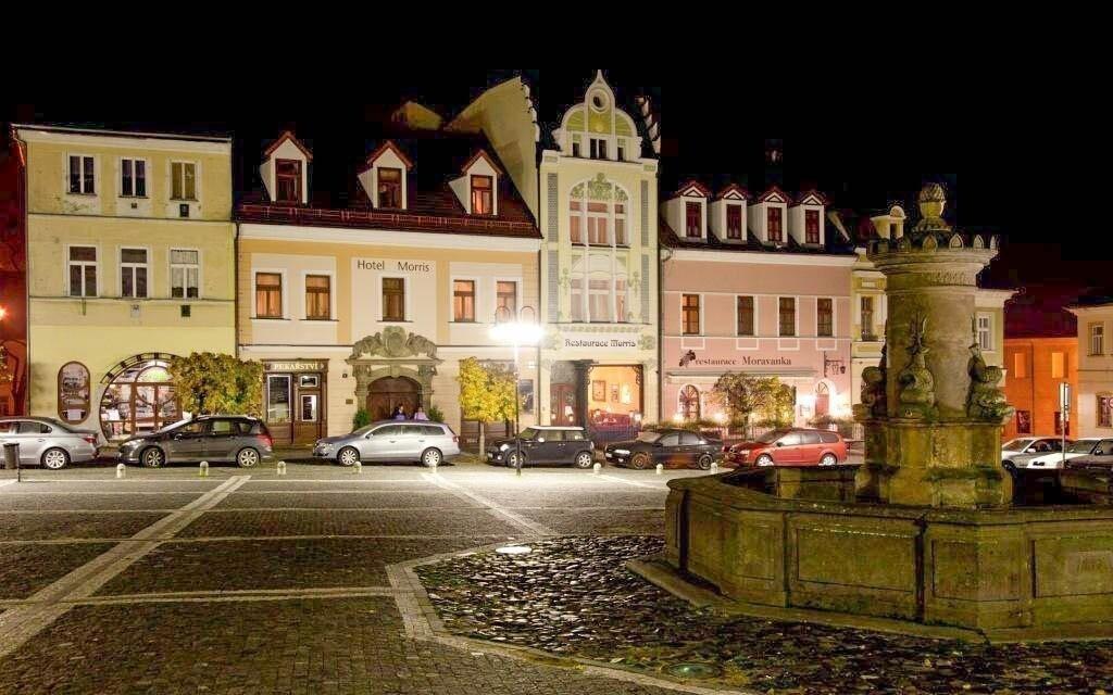 Hotel Morris leží přímo na náměstí České Lípy