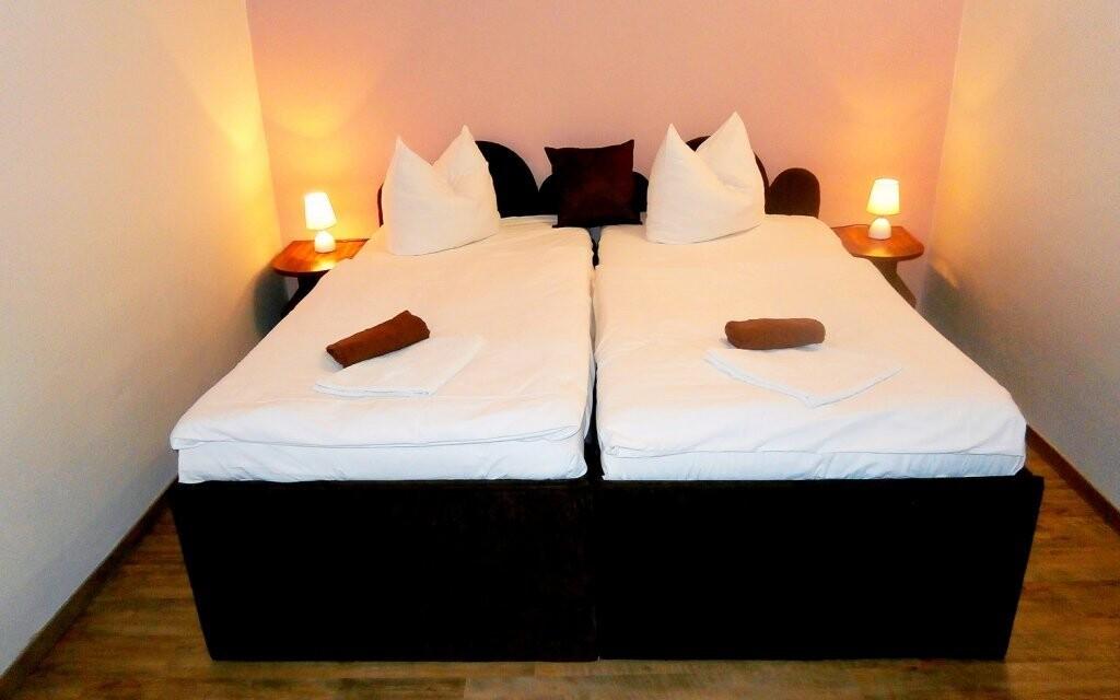 Väčšia izba Standard je k dostaniu za príplatok 100 Kč/noc
