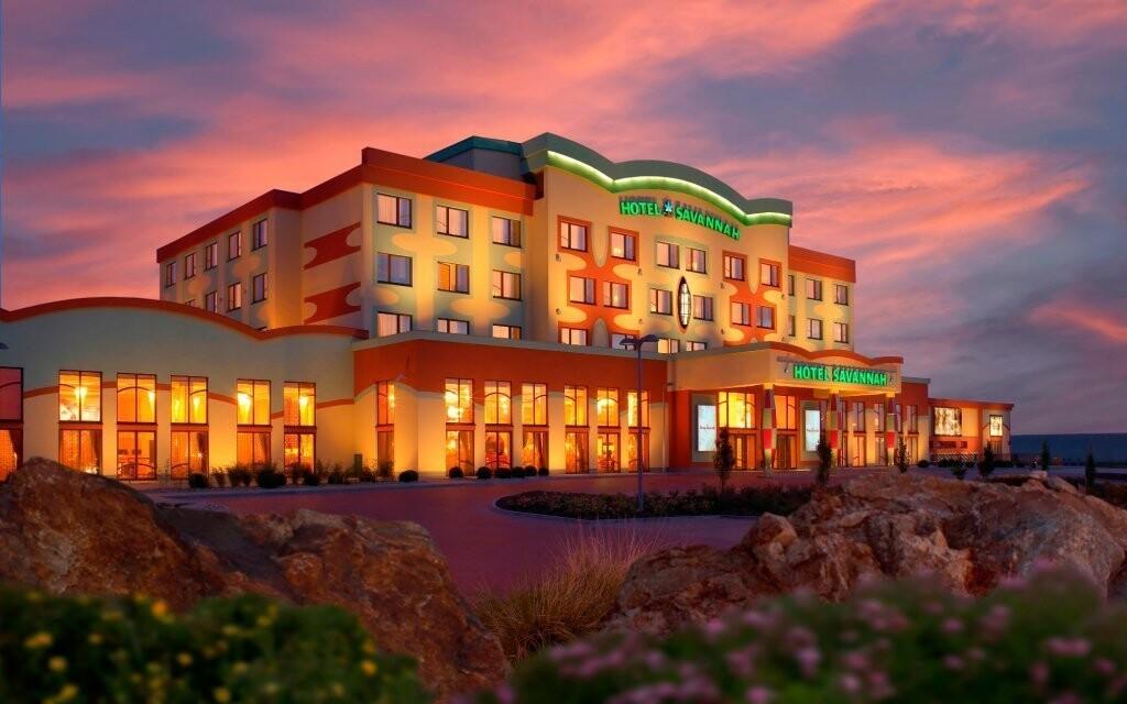 Z hotelu Savannah přímo sálá luxus