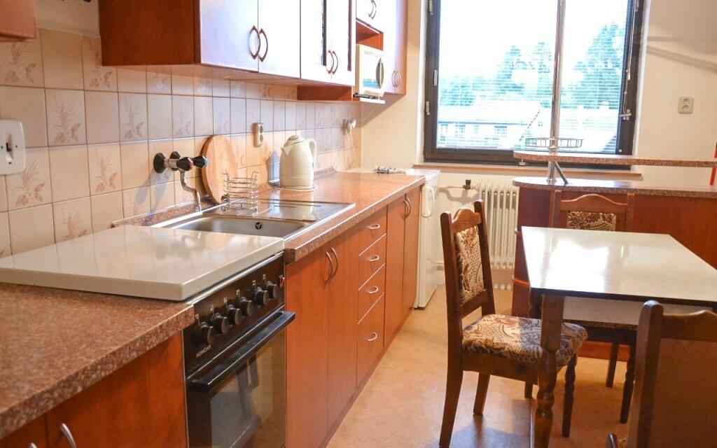 V chalupě je k dispozici i kuchyňka