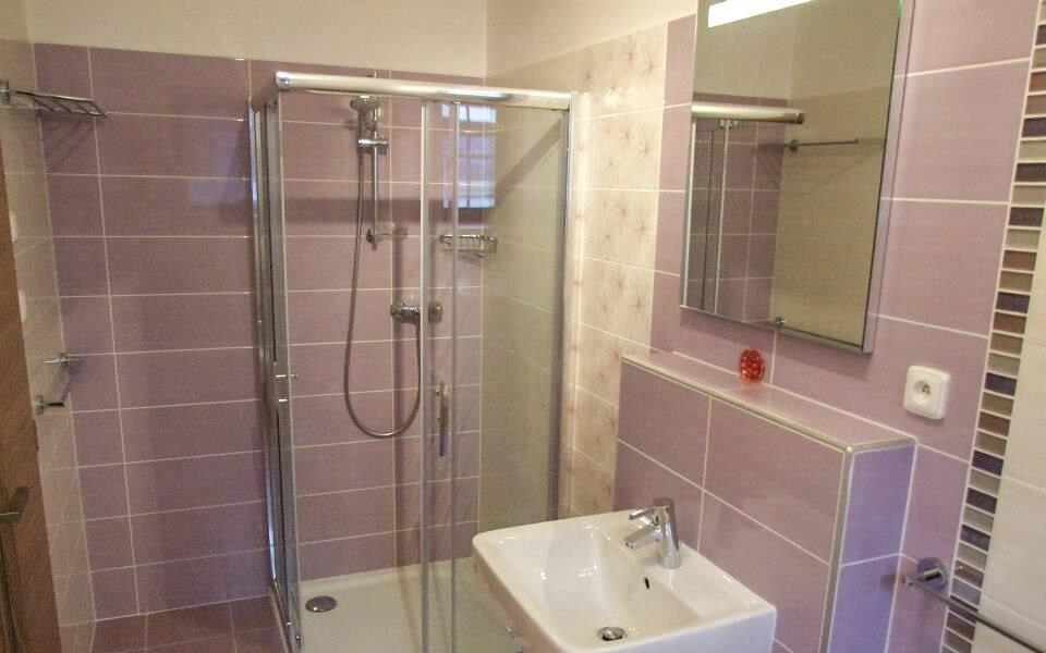 Každý pokoj má svou koupelnu