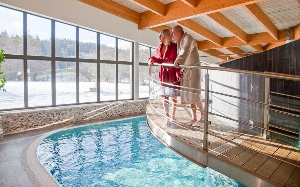 Těšte se na vstup do wellness s bazénem