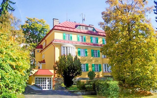 Hotel Villa Skalník *** leží v klidné lokalitě