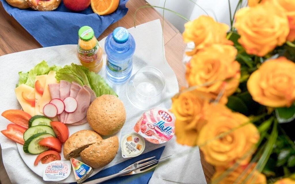 Snídani si vychutnáte na pokoji