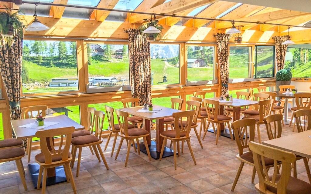 Restaurace, Hotel Alpen Arnika ***, Alpy, Rakousko
