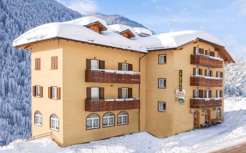 Hotel Milano Vermiglio *** leží v malé horské vesničce