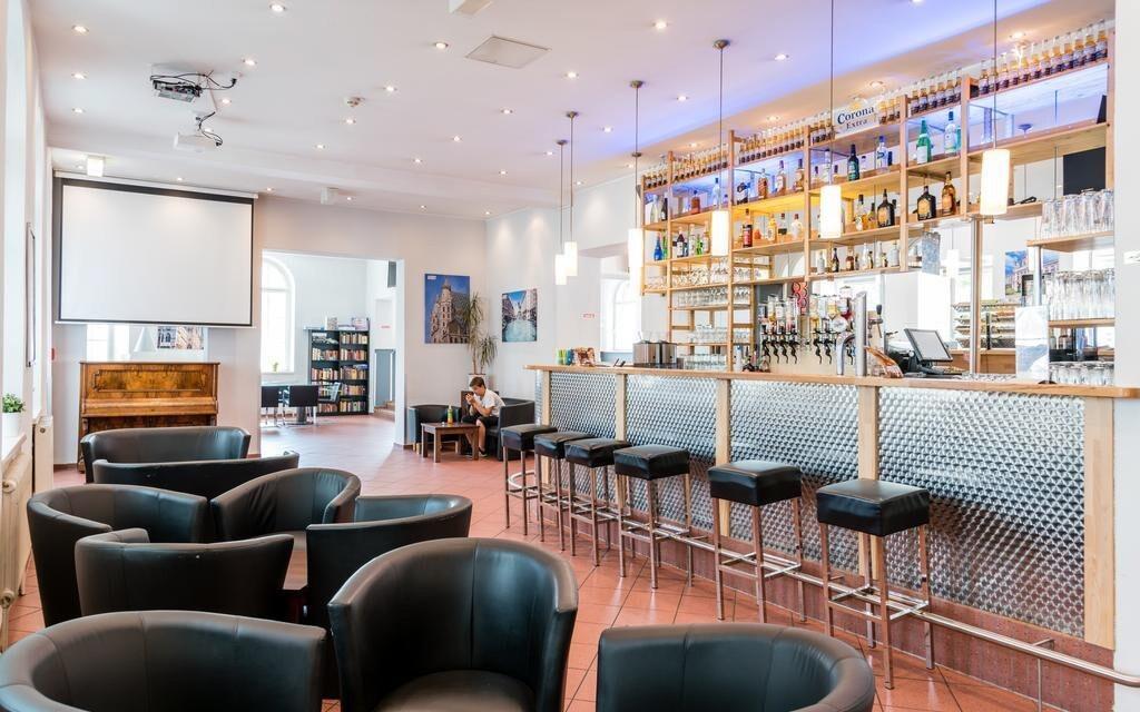 Nechybí ani lobby bar