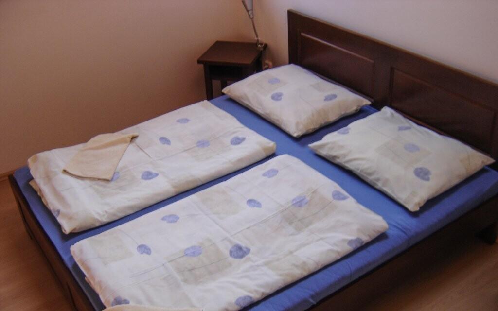 Pokoje hotelu jsou útulně vybaveny