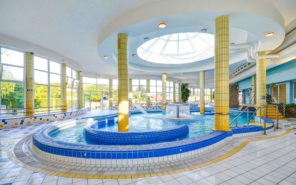 Užijte si neomezený vstup do termálních bazénů