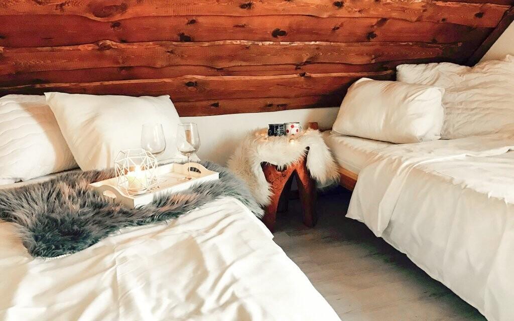Pokoje jsou čisté a moderně zařízené