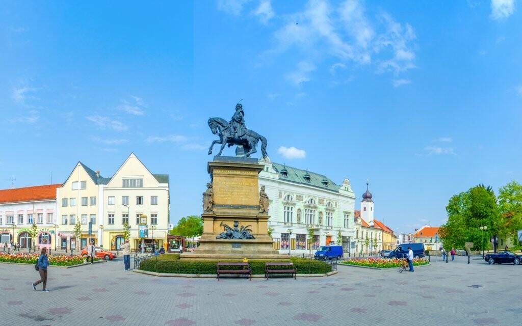 Kúpeľné mesto Poděbrady, socha Jiřího z Poděbrad