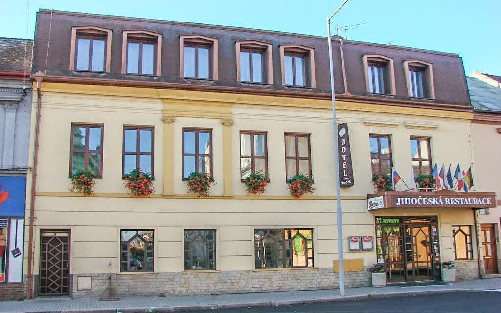 Ubytujte sa priamo v centre Poděbrad v Hoteli Soudek