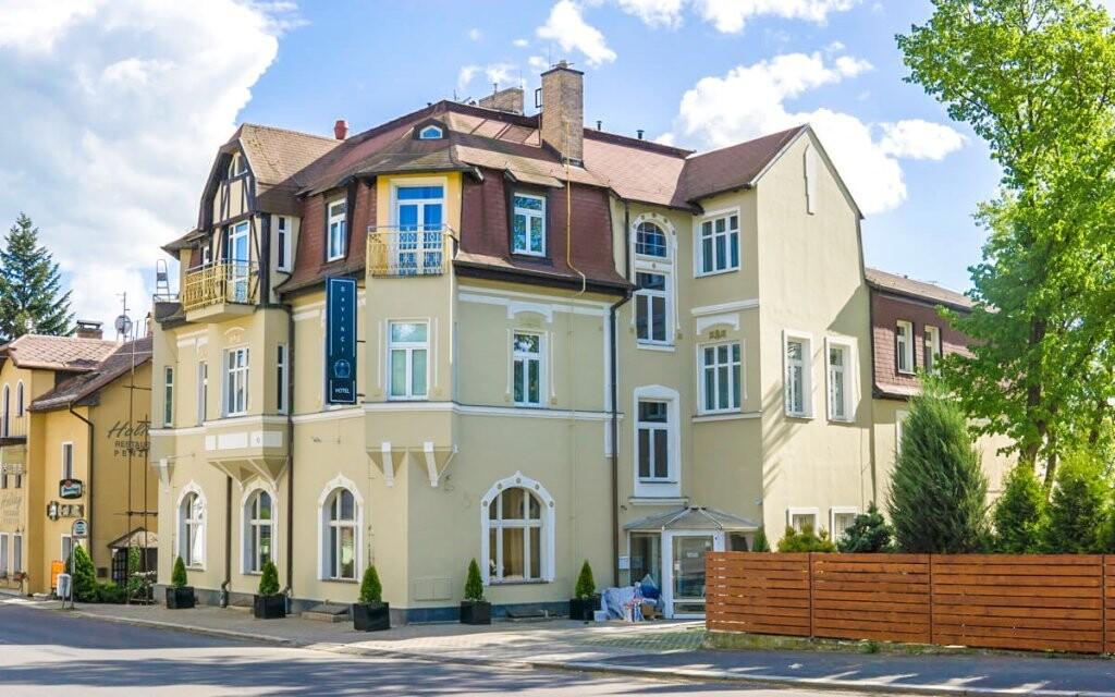 Hotel DaVinci **** najdete ve zrekonstruované vile u parku