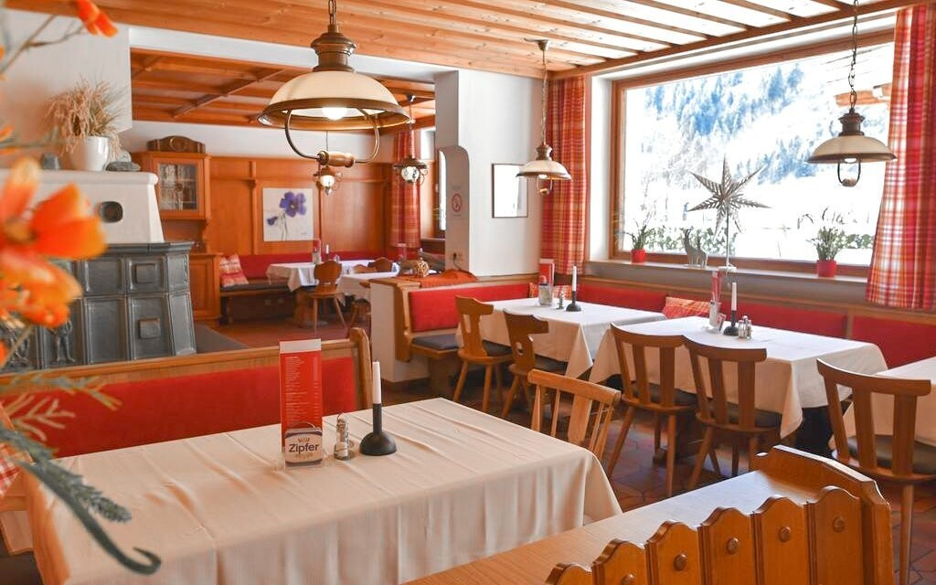 Ve stylové restauraci si užijete snídaně či polopenzi
