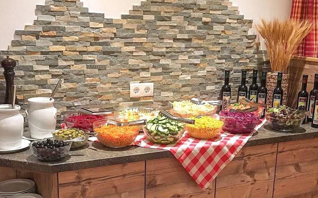 Těšte se i na salátový bufet