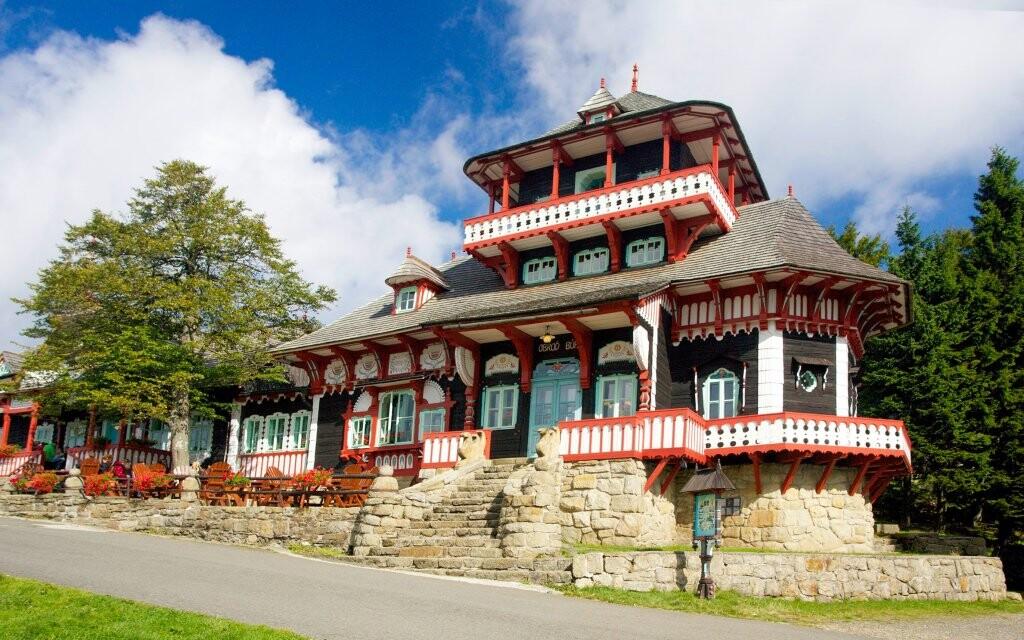 Pustevny, lidová architektura, turistické cíle Beskydy