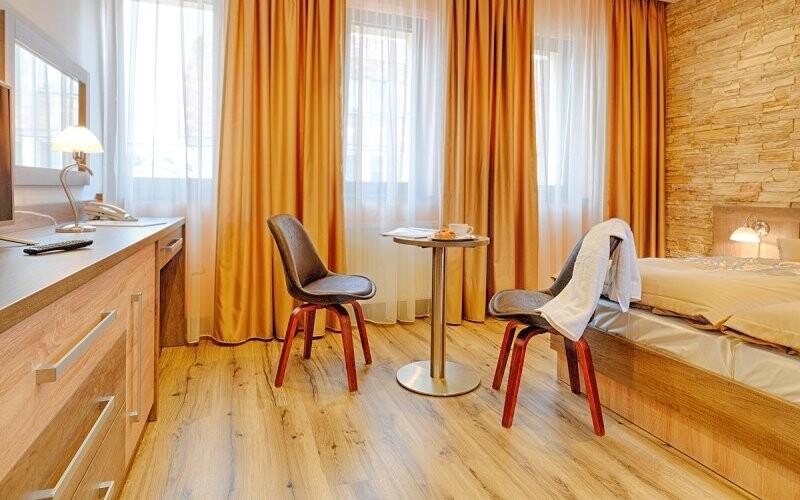 Izby sú zariadené tak, aby si hostia perfektne oddýchli
