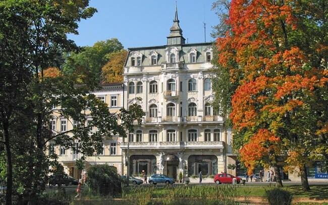 Hotel Polonia v centru města Mariánské Lázně