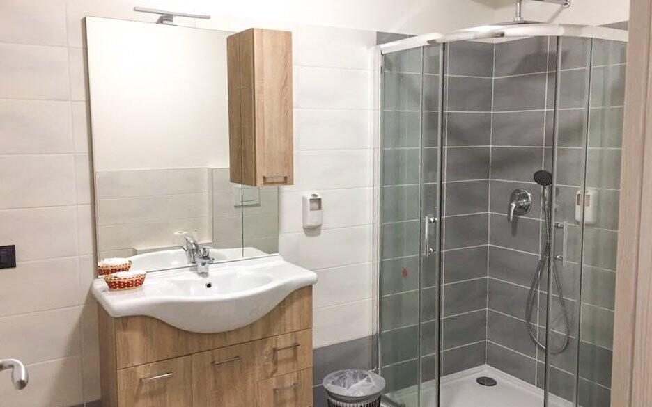 Pokoje mají vlastní koupelnu
