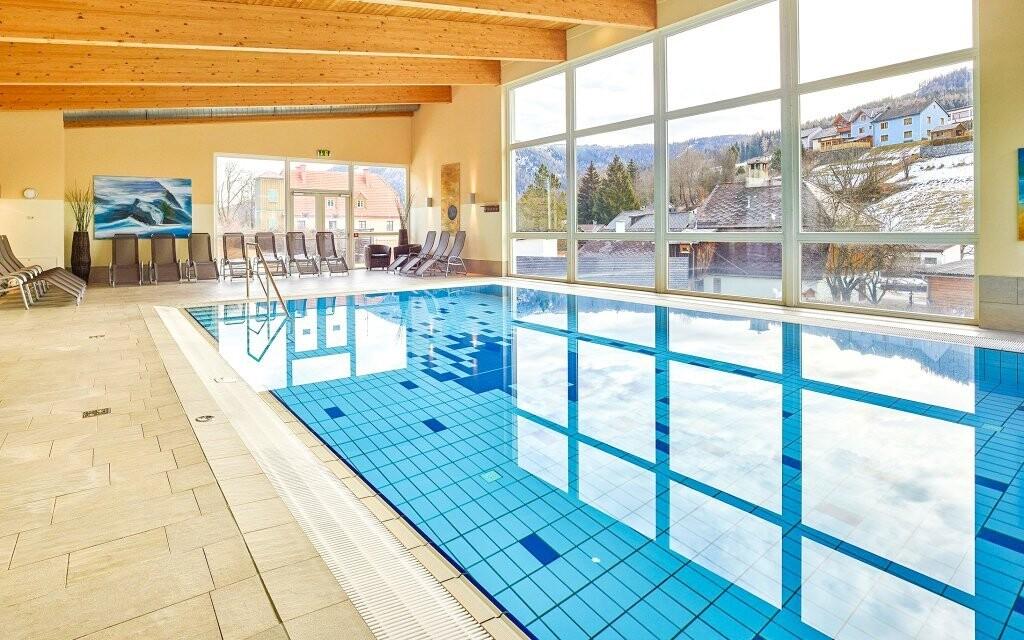 Užijte si neomezený vstup do wellness s bazénem