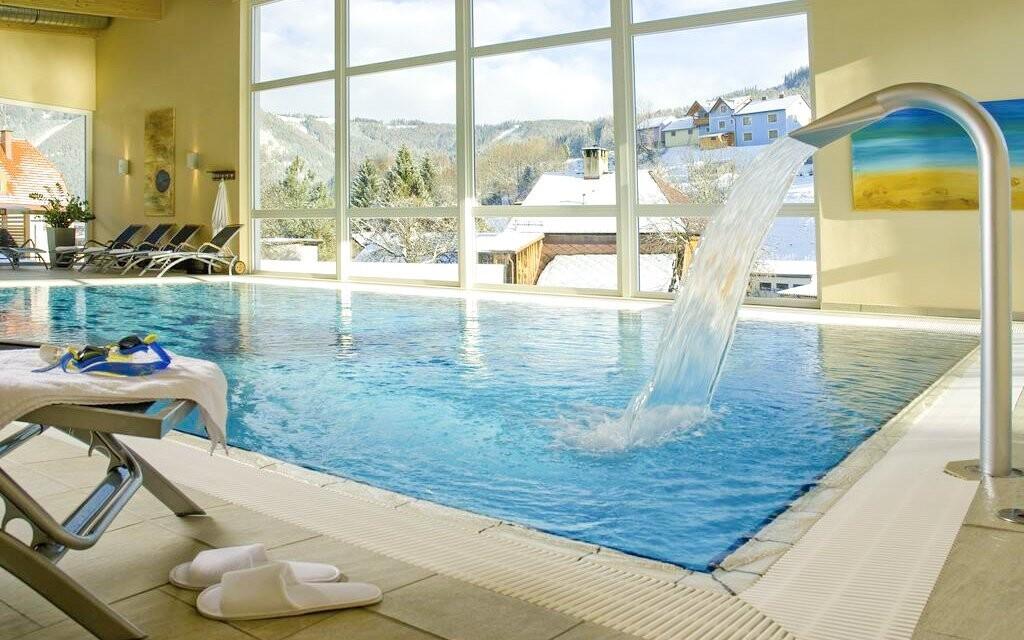 Užite si neobmedzený vstup do wellness s bazénom