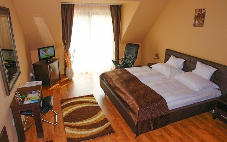 Dvojlôžkové izby sú komfortne vybavené