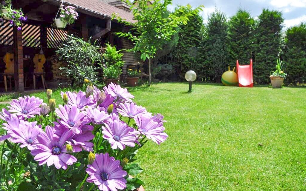 Záhrada, Vila House Family, Poprad, Vysoké Tatry, Slovensko