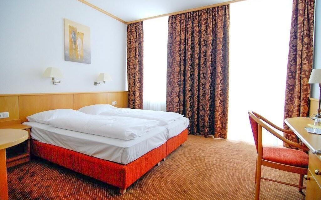 Ubytovaní budete v dvojlôžkových izbách typu Standard