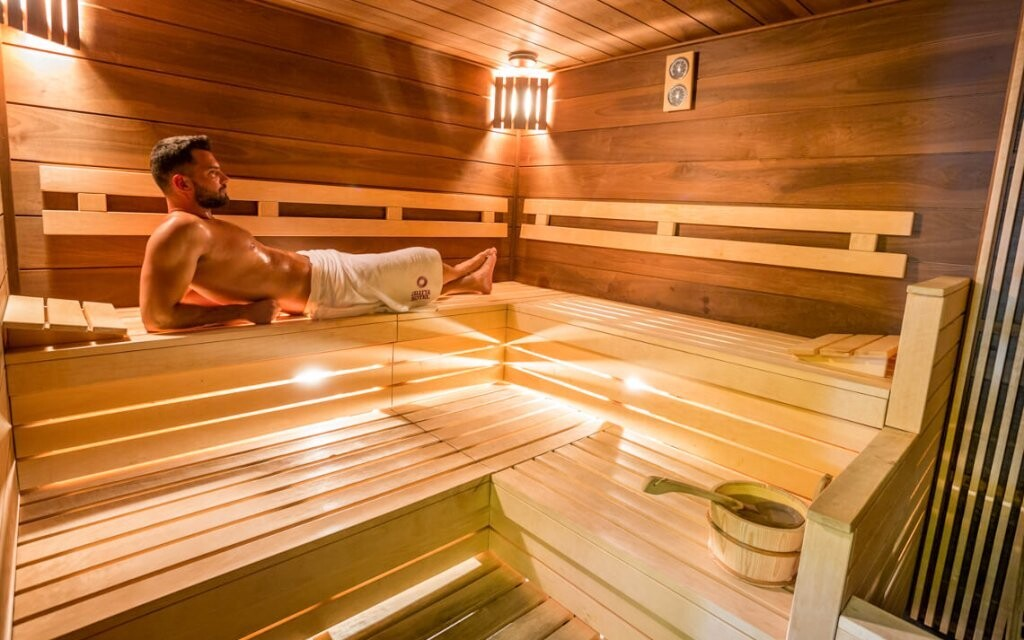 Prohřejete se v několika různých saunách