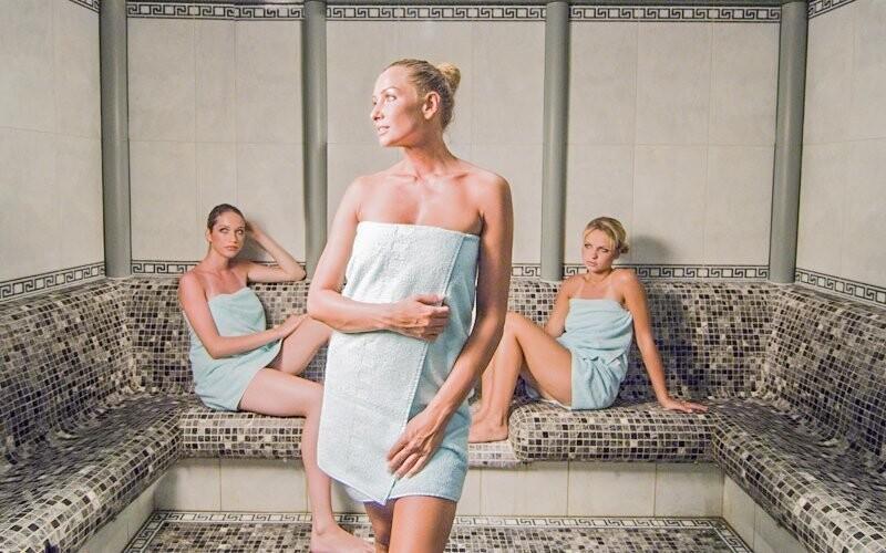 Kromě bazénů tu najdete i saunu