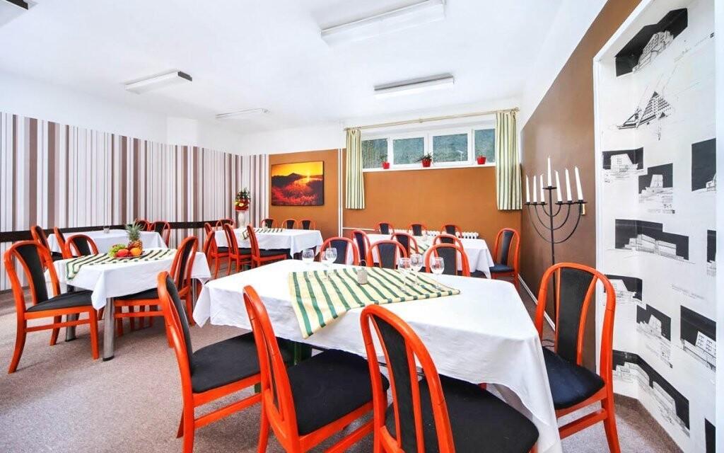 V hotelové restauraci připravují českou kuchyni