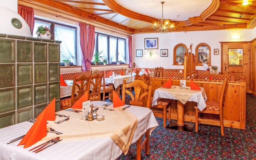 V hotelové restauraci vás čeká bohatá polopenze