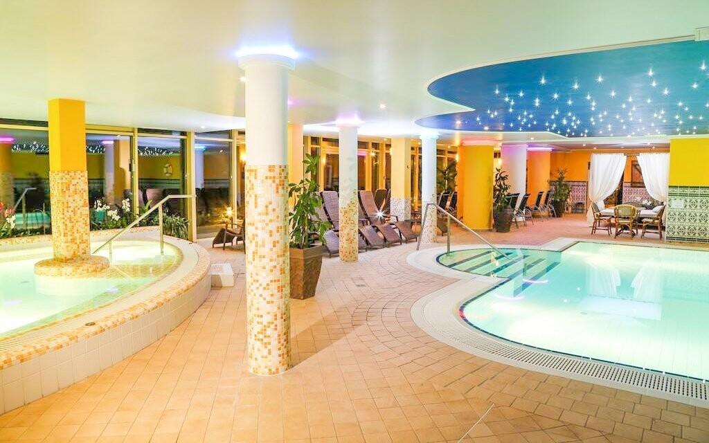 Je tu pro vás zážitkový a plavecký bazén