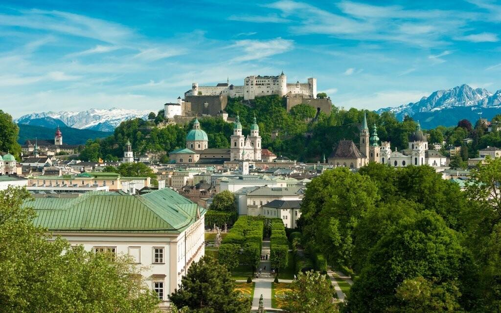 Krásne mesto Salzburg je ideálne miesto na výlet
