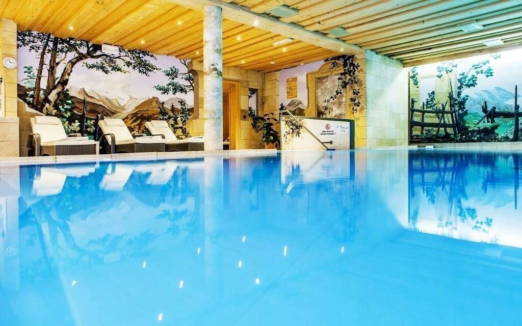 Bazén je tu pro vaši zábavu a odpočinek