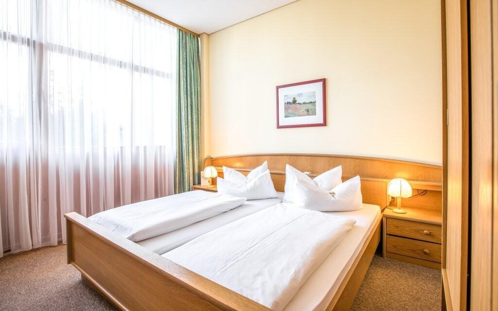 Pokoje jsou světlé a plně vybavené
