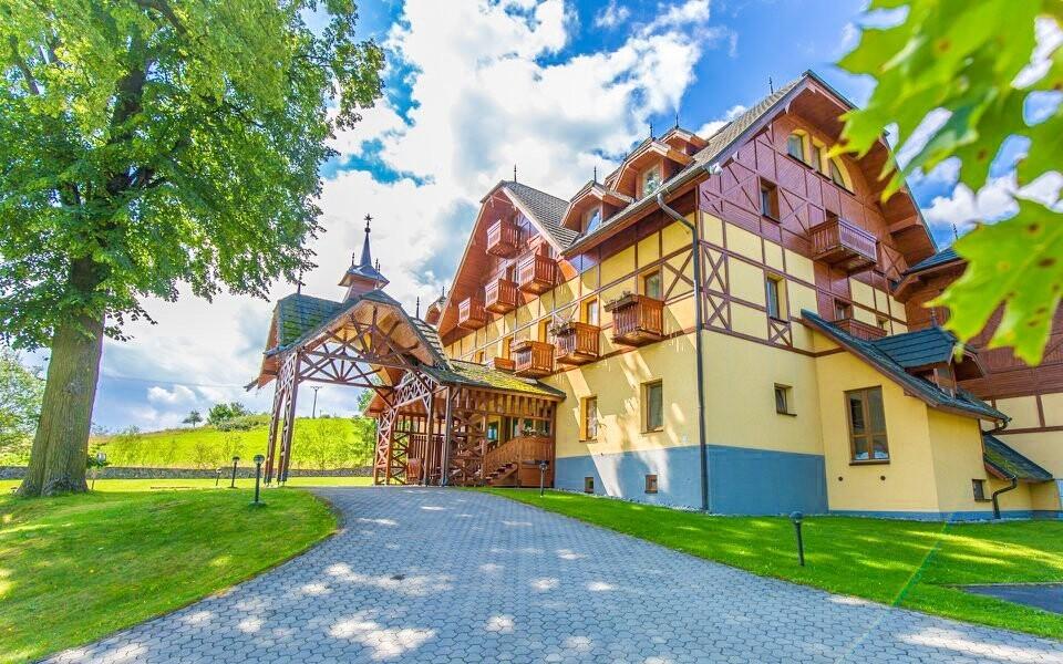 Užite si pobyt v Hoteli ELAND ***