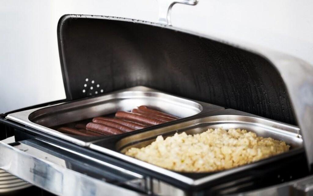 Vyberete si i z nabídky teplého bufetu