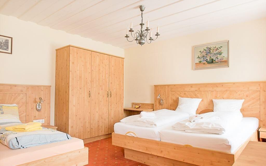 Ubytováni budete ve zrekonstruovaných pokojích