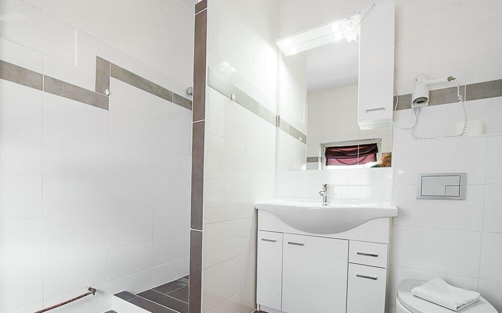 Samozejmostí je vlastní koupelna